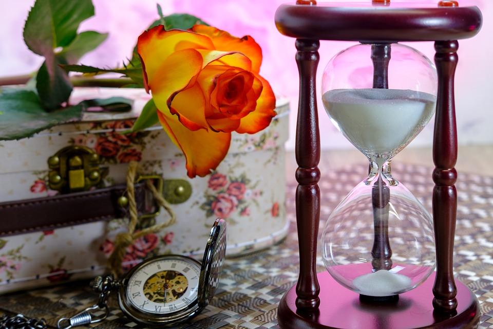 hourglass-3197635_960_720