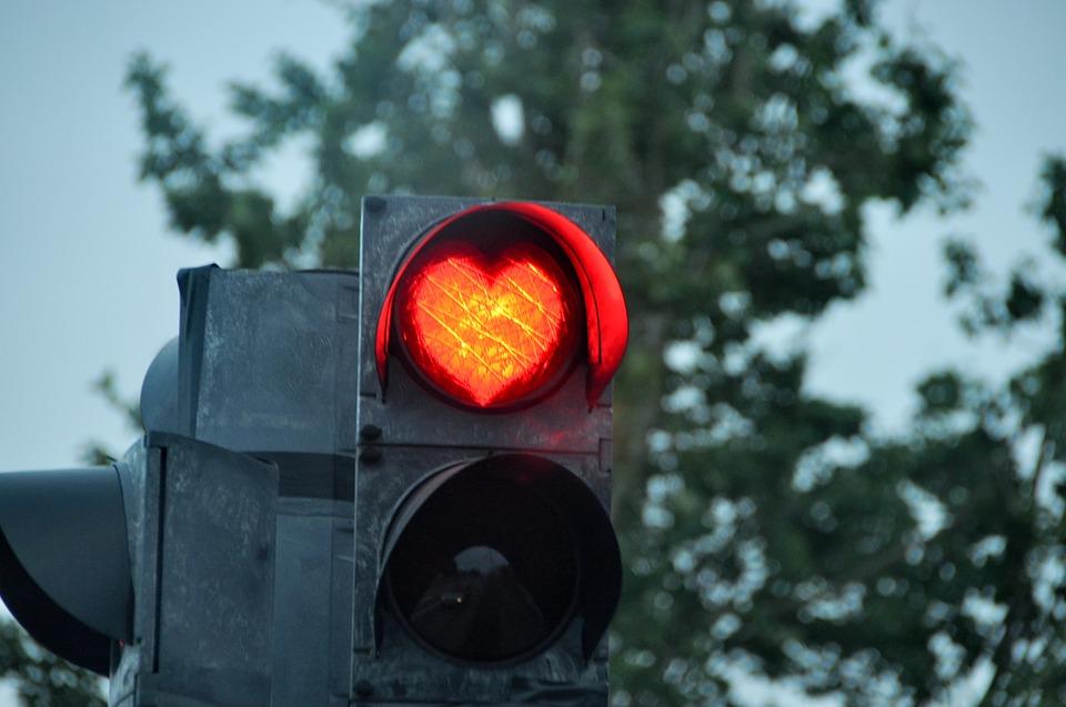 stoplight-2375476_960_720