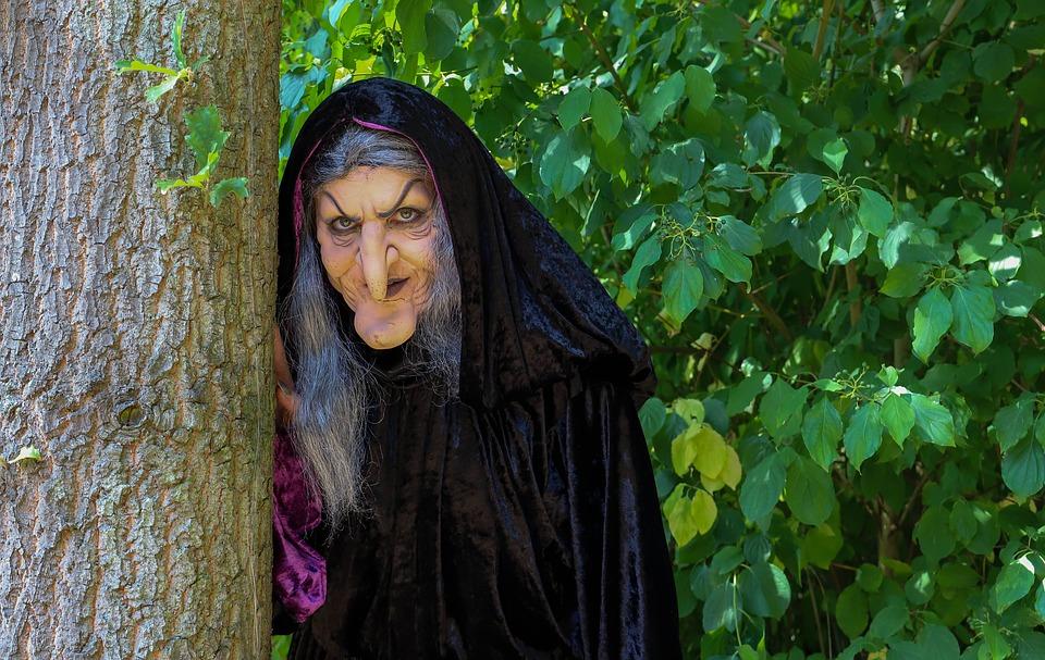 witch-3693374_960_720